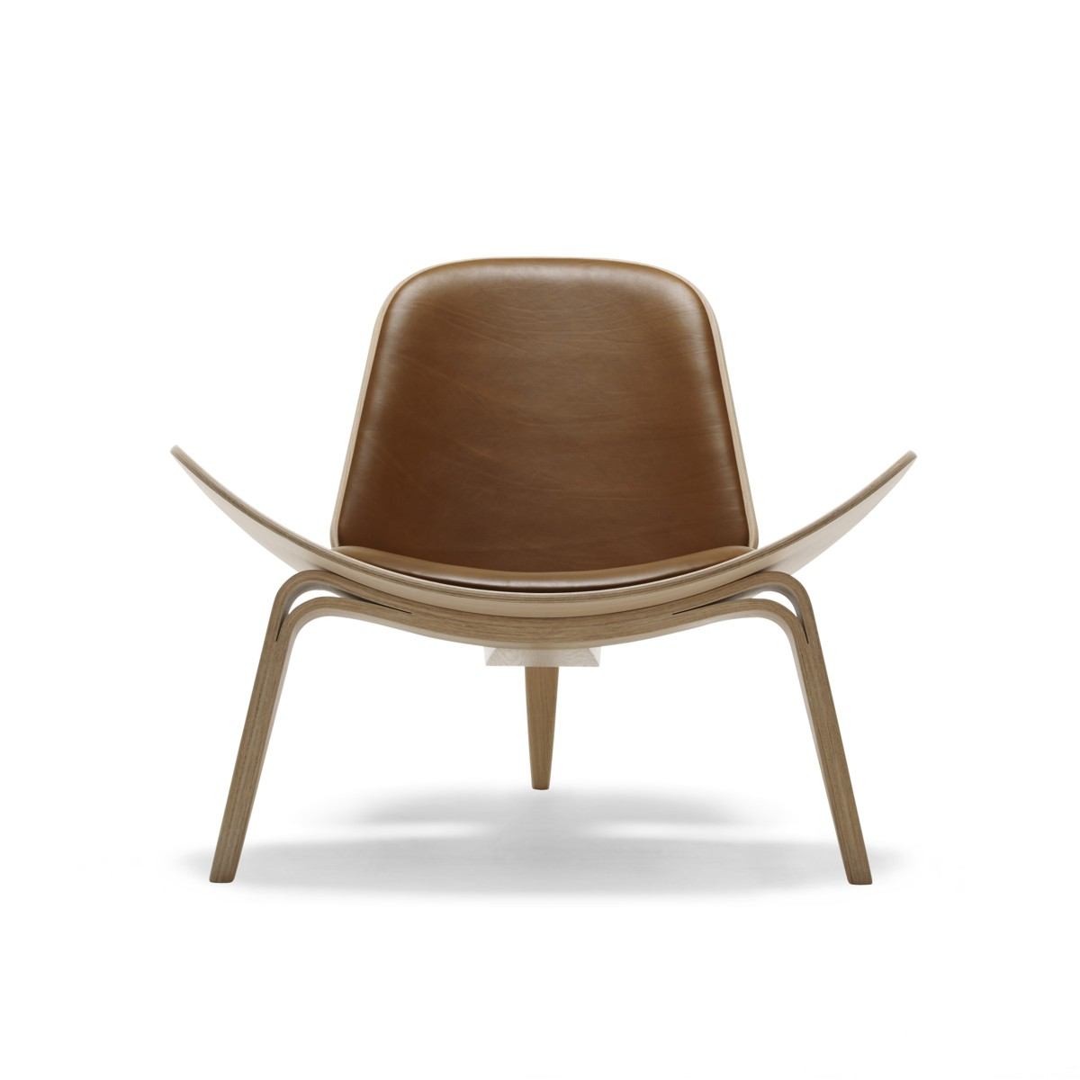 Front view of a Carl Hansen CH07 Shell chair