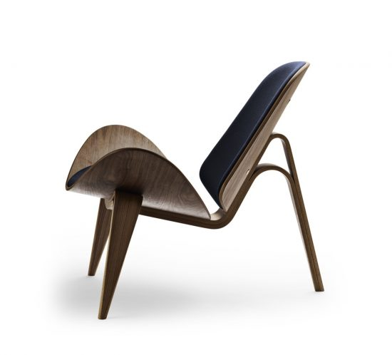 Side view of a Carl Hansen CH07 shell chair