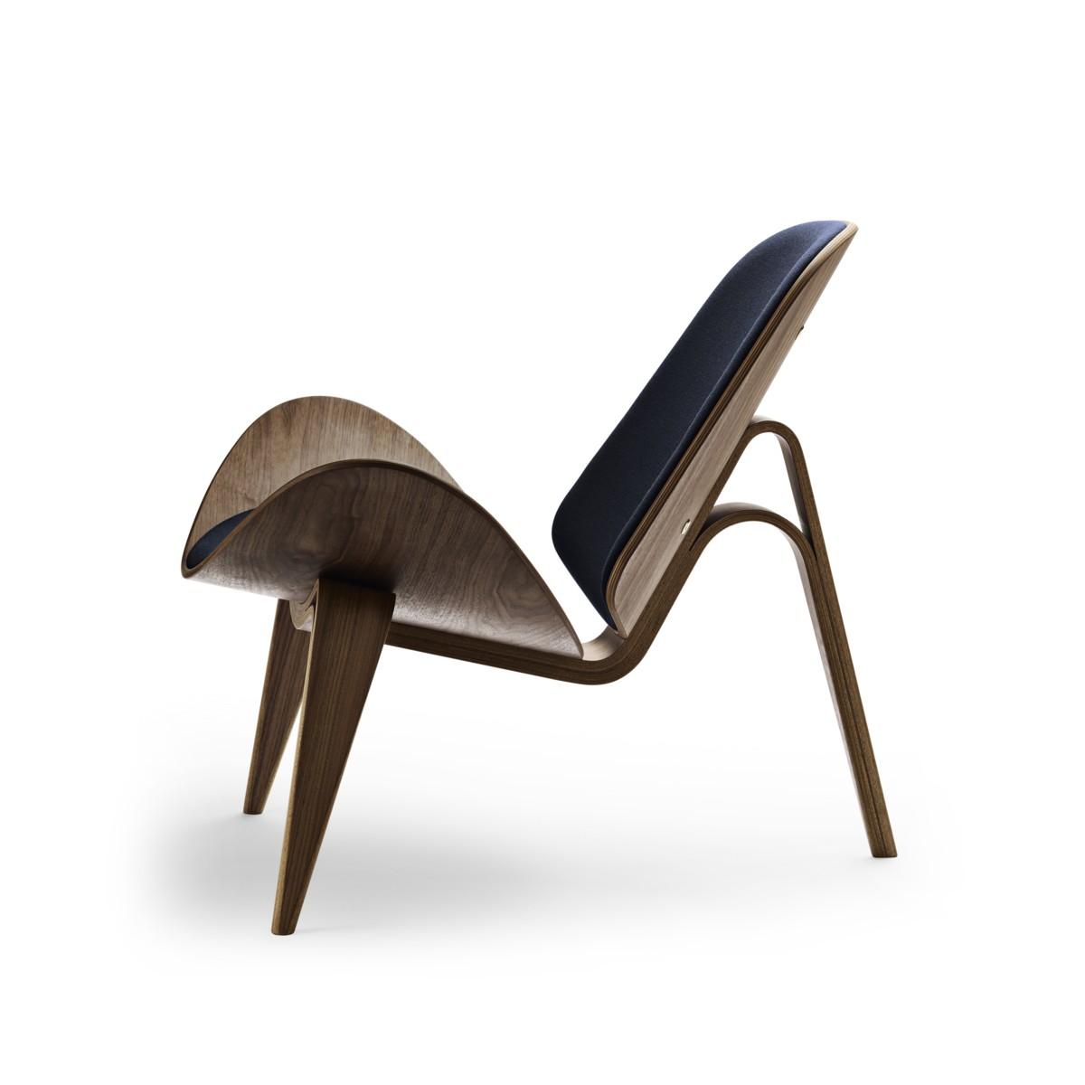Side view of a Carl Hansen CH07 shell chair