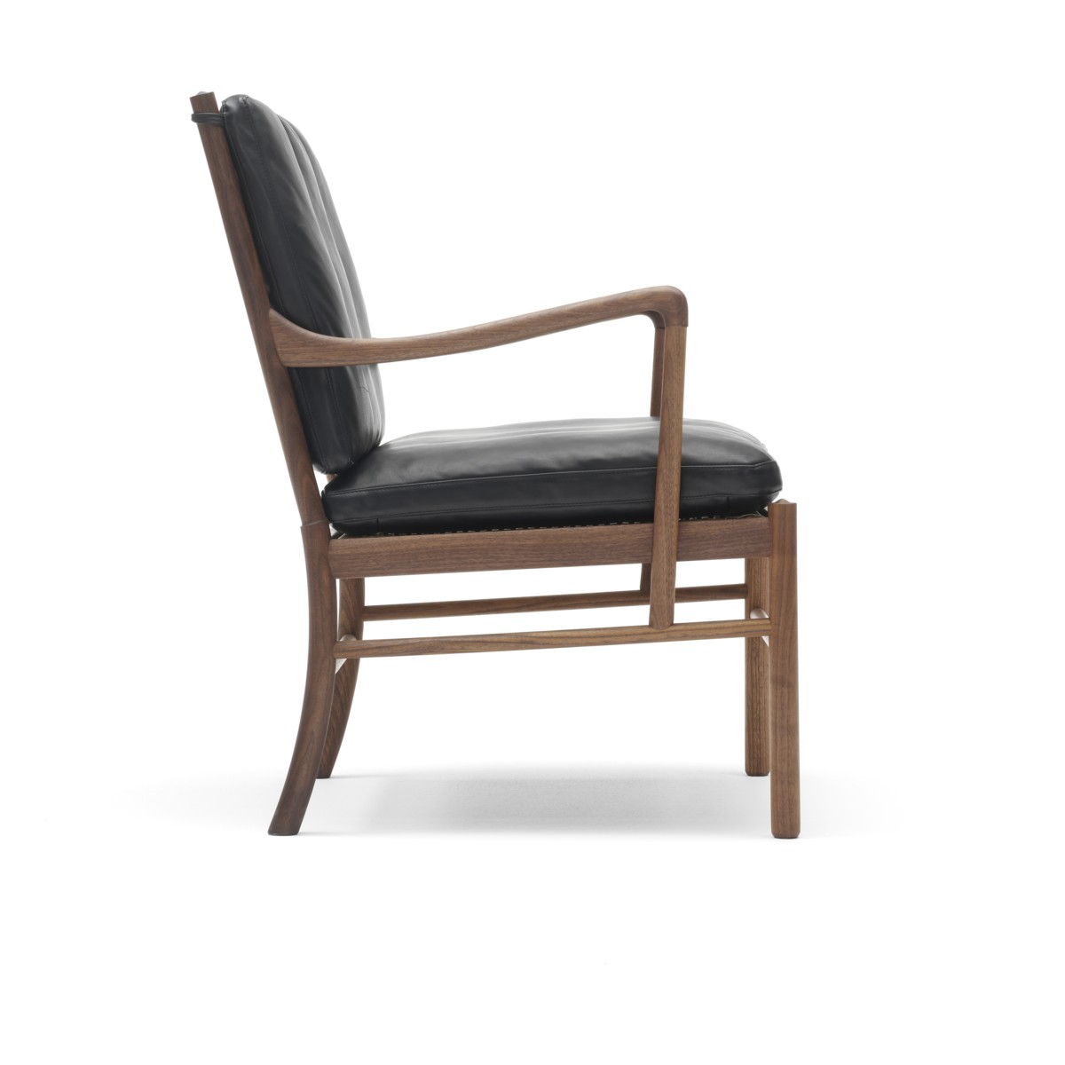 Side view of a Carl Hansen OW147 Colonial chair